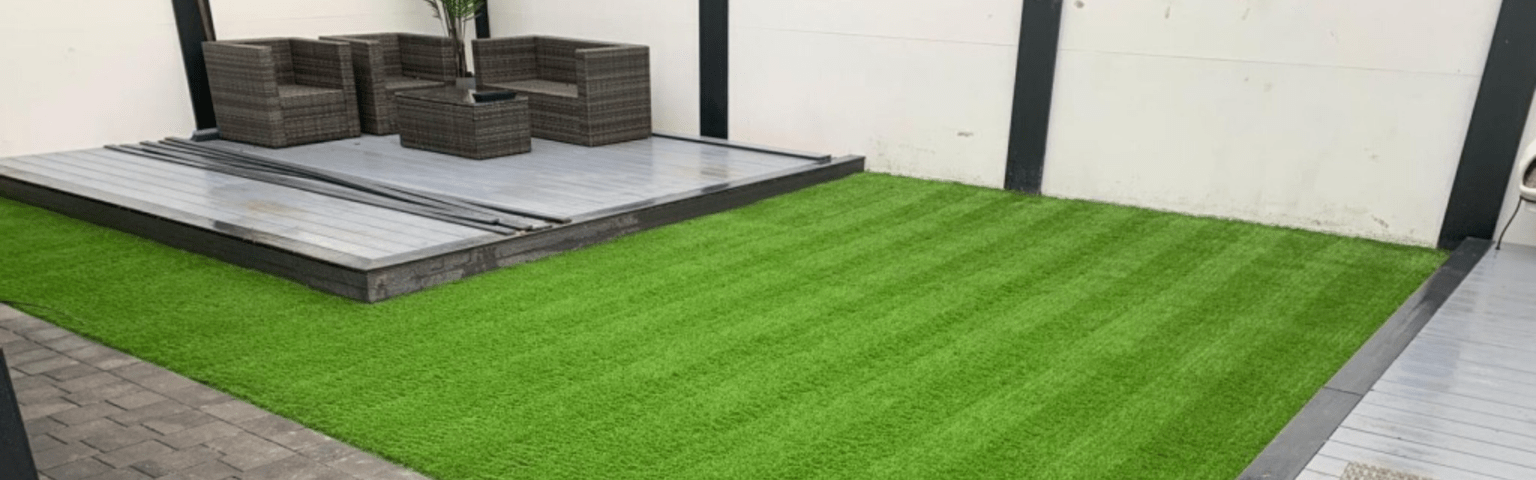 Why Artificial Grass in Wakefield Looks Great All Year Round
